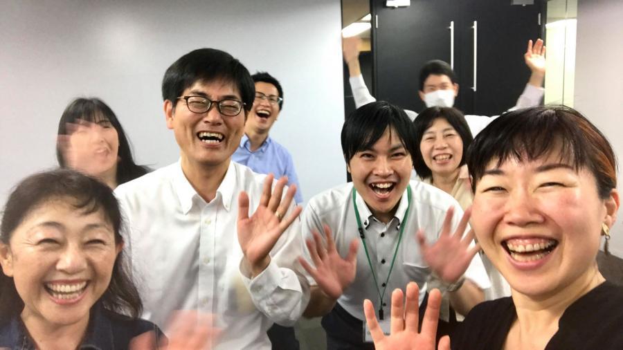笑いヨガ・朝の部 (7月)