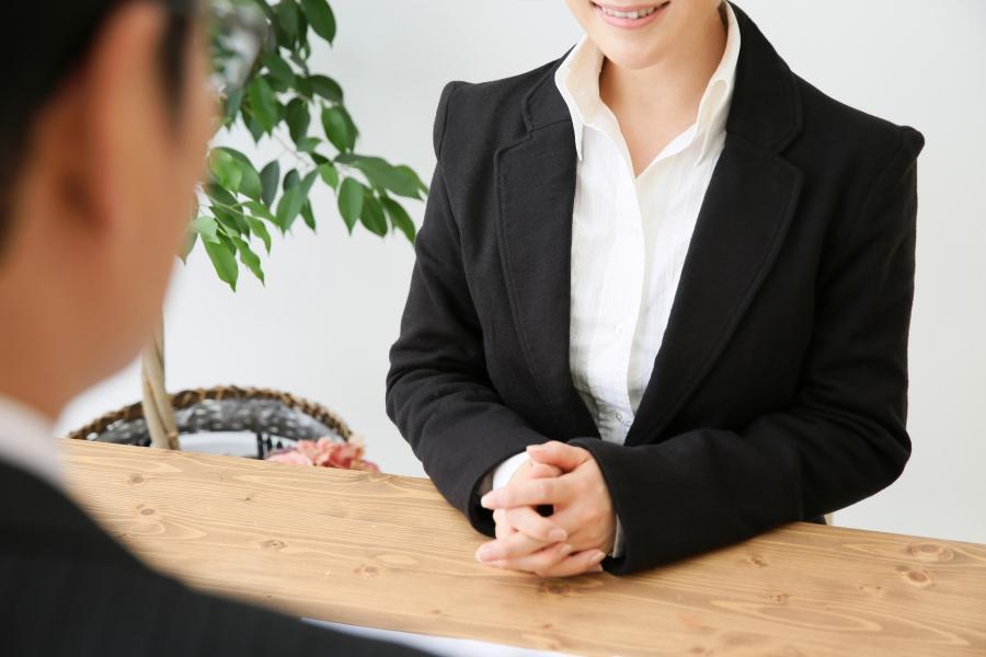 第一印象で相手の心と信用を掴むビジネスマナー(7月)