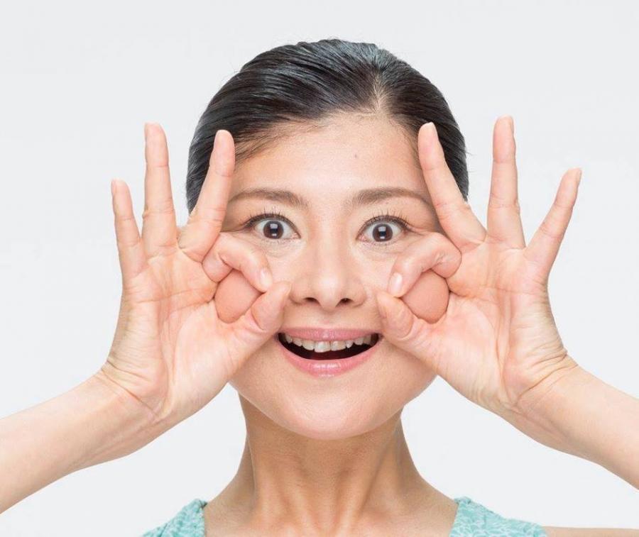 心に効く!「顔ヨガセミナー」表情筋を鍛えて前向きマインドへ!〜目ヂカラUP編〜