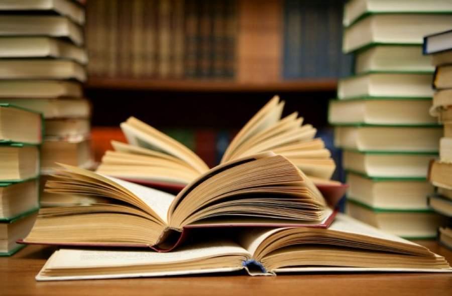 ~脳の潜在能力を引き出す~新BOOKヨガ(8月)【夏も読書を楽しもう】