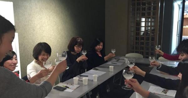 「旬の酒と肴を楽しむアカデミア横丁~日本酒スパークリング編~」を開催しました!